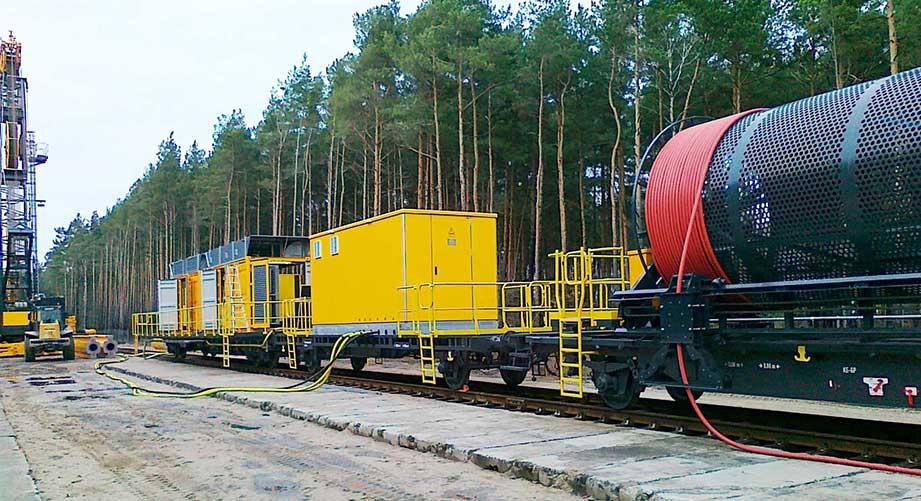 Versorgungsstation auf Waggon für 25 kV-Kabeltrommel.