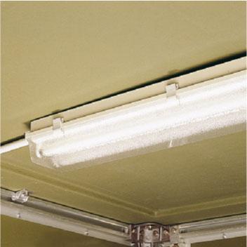 Deckenbeleuchtung mit Schalter oder Türkontaktschalter, Steckdosenkombination und Abzweigdose