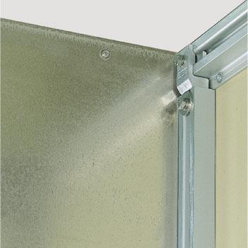 Trennwand, Stahl verzinkt, auch aus Siebdruckplatte oder Isolierstoff lieferbar